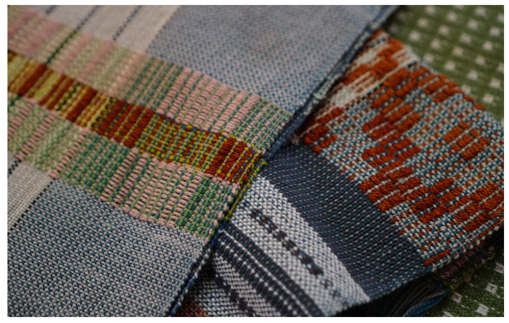 Susan's overshot:crackle scarf