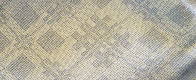Mary's crackle tablecloth